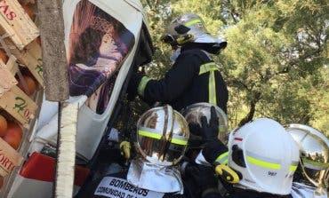 Un choque entre tres camiones deja tres heridos y obliga a cortar la A-4