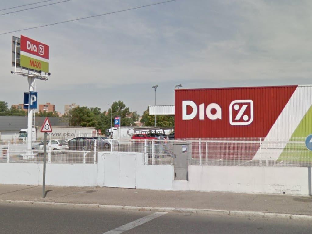Una mujer, intoxicada tras un incendio en un supermercado de Guadalajara