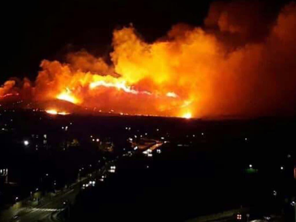 Extinguido el incendio de Guadalajara que dejó imágenes como estas
