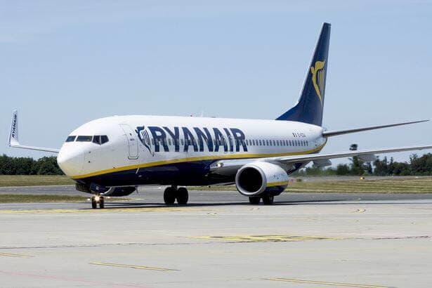 AVISO DE BOMBA: Evacuán un avión que tenía previsto aterrizar en Barajas