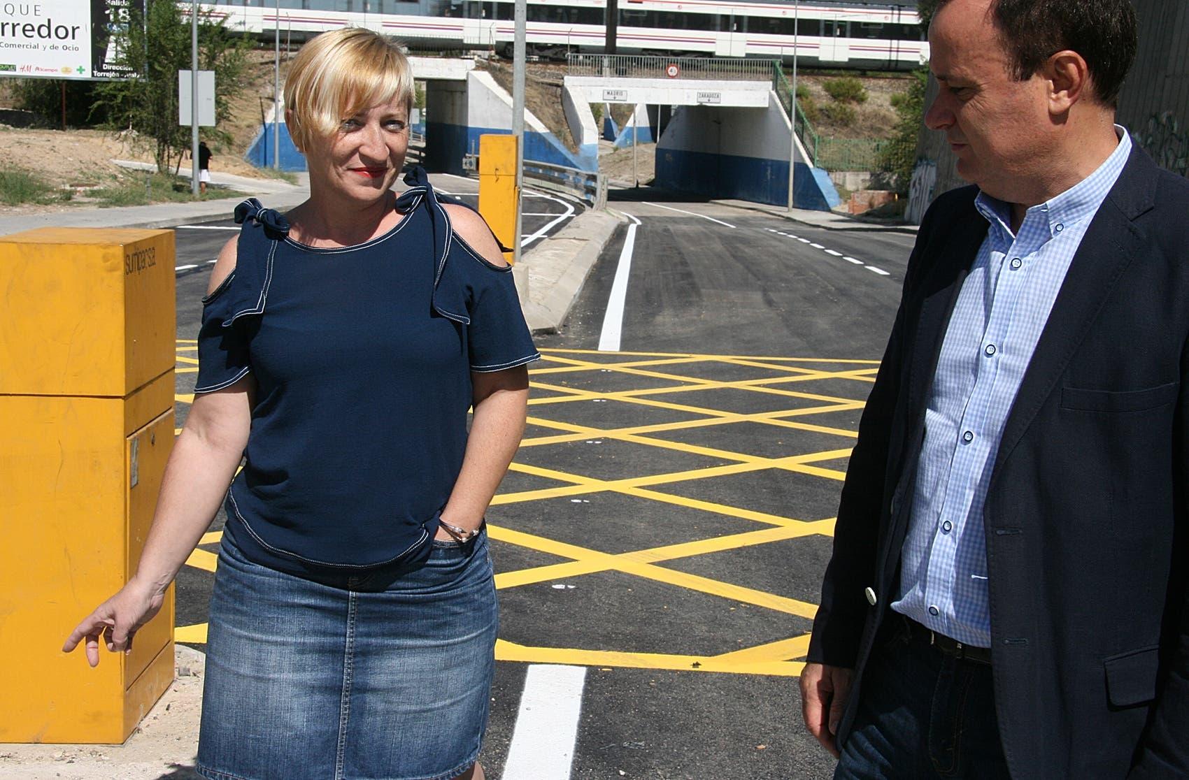El alcalde y la concejala Arroyo en su visita a las obras (Ayto. Coslada).