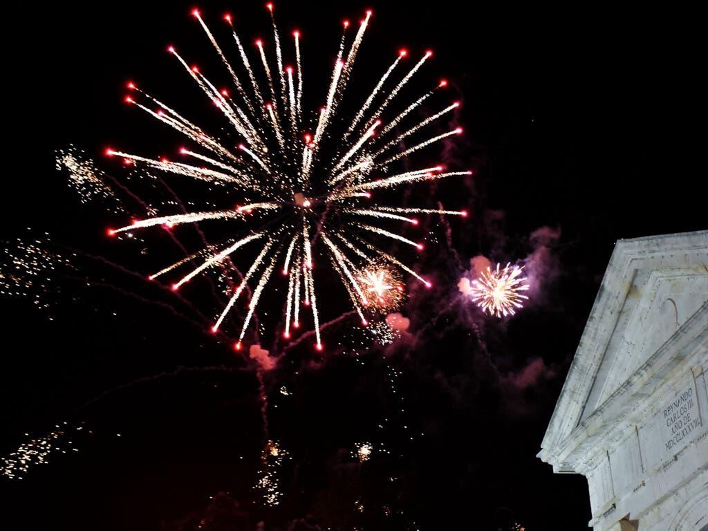 Alcalá despidió sus Ferias con un gran desfile y fuegos artificiales