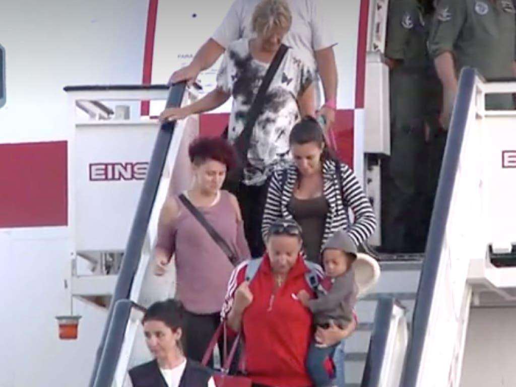 Aterriza en Torrejón el avión con los españoles afectados por el huracán Irma
