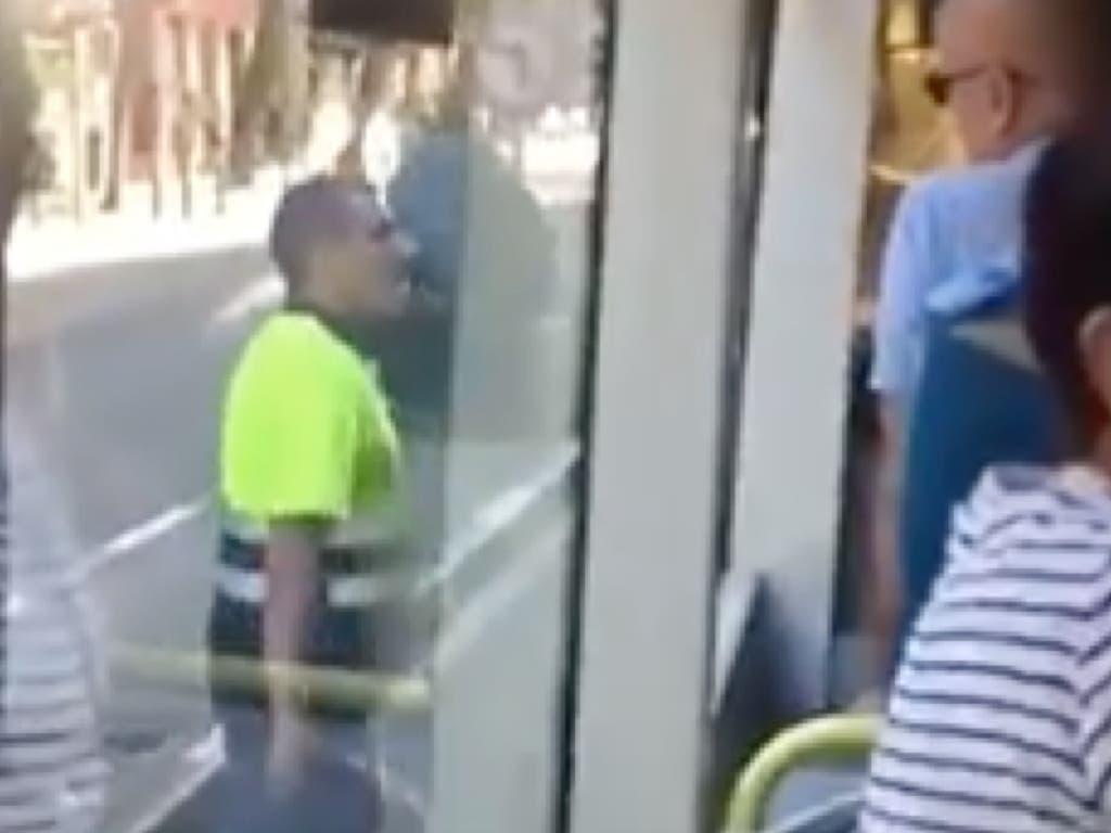 Destroza un autobús de la EMT tras discutir con el conductor