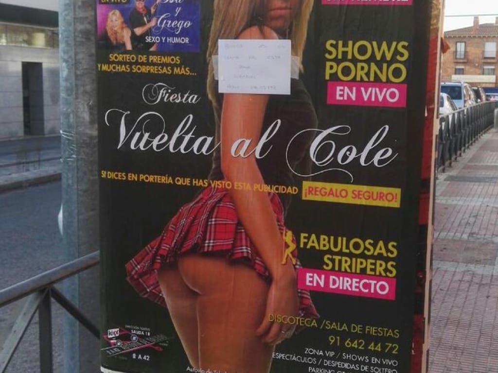 Polémica por los carteles de un puticlub que anuncian la «vuelta al cole»
