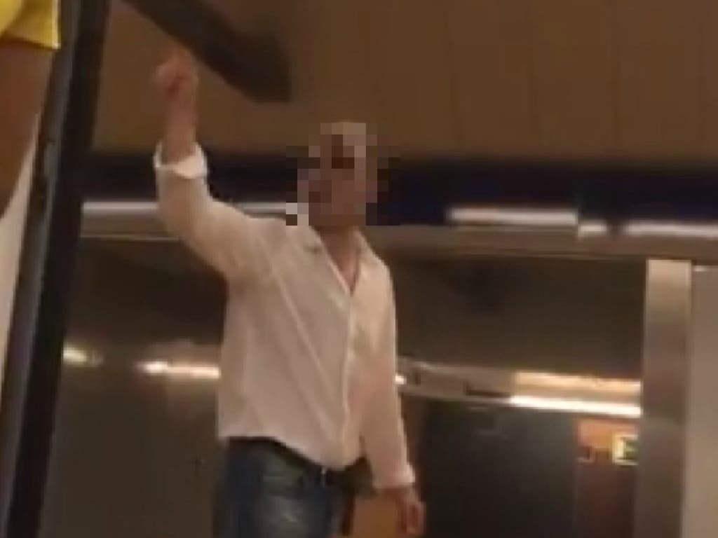 Detenido el que insultó a una mujer musulmana en el Metro de Madrid