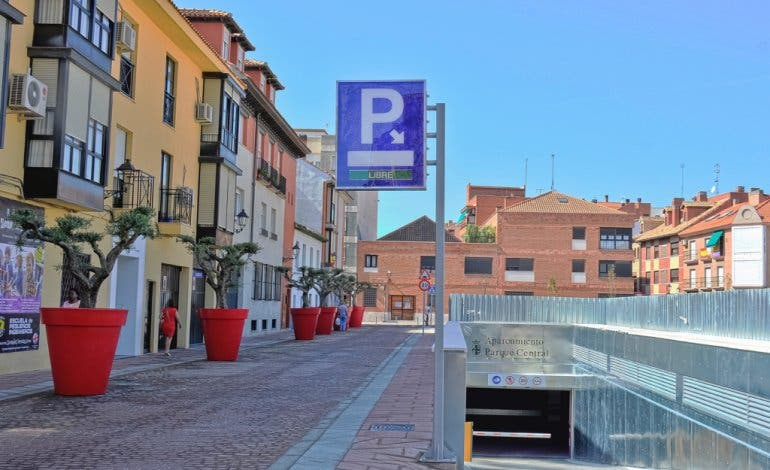 Abre el primer gran parking low cost de Torrejón