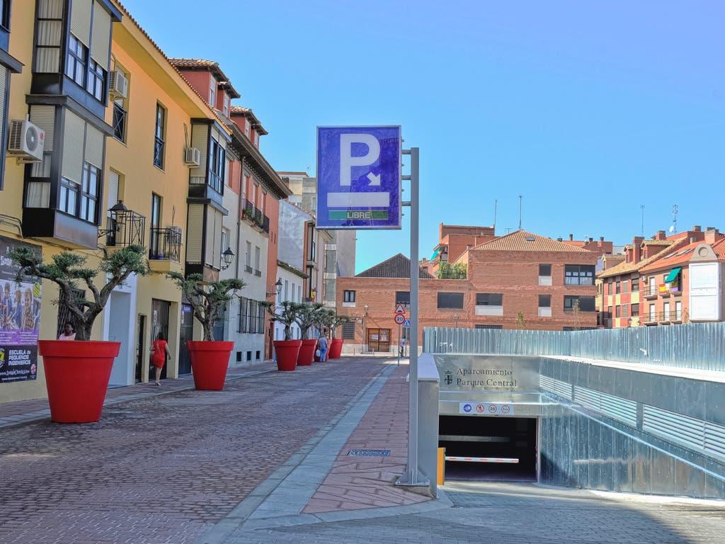 Abre el primer gran parking low cost de Torrejón