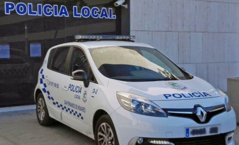 Detenidos en San Fernando por robar a una mujer a la que arrastraron por el suelo