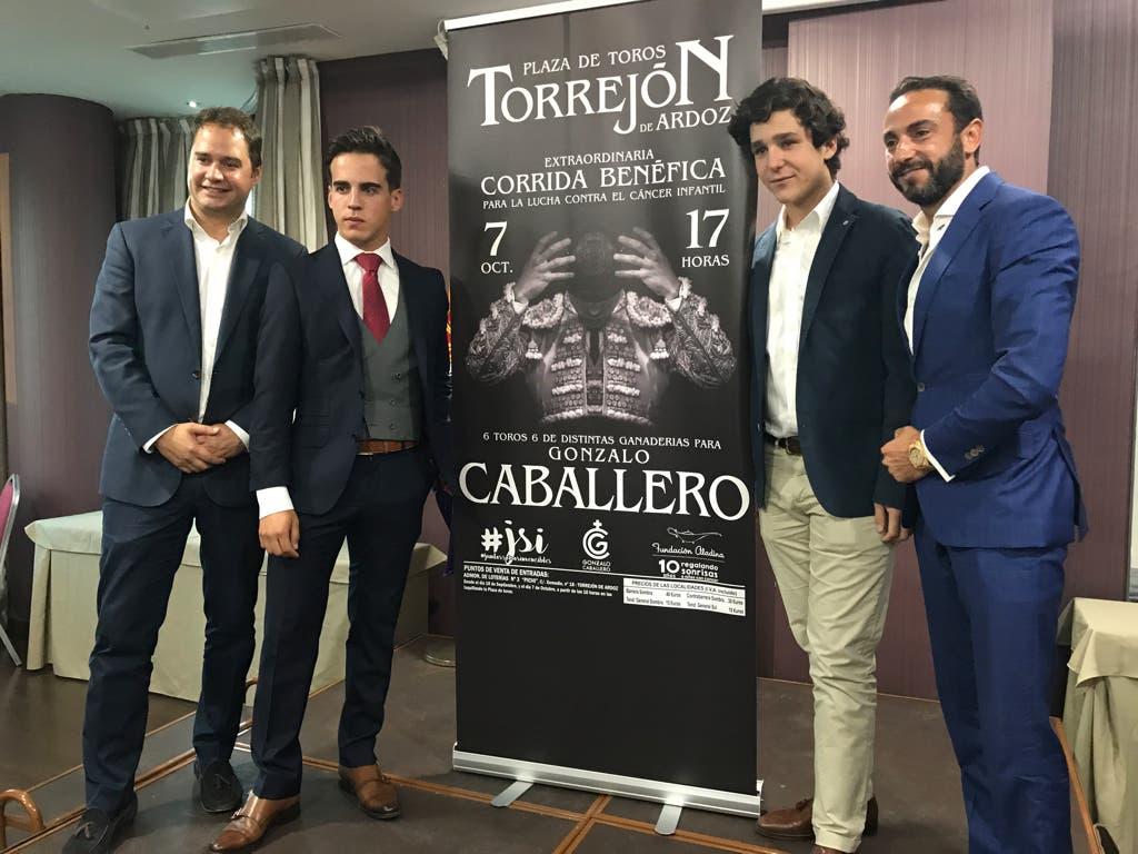 Froilán visitó Torrejón por una causa taurina y solidaria