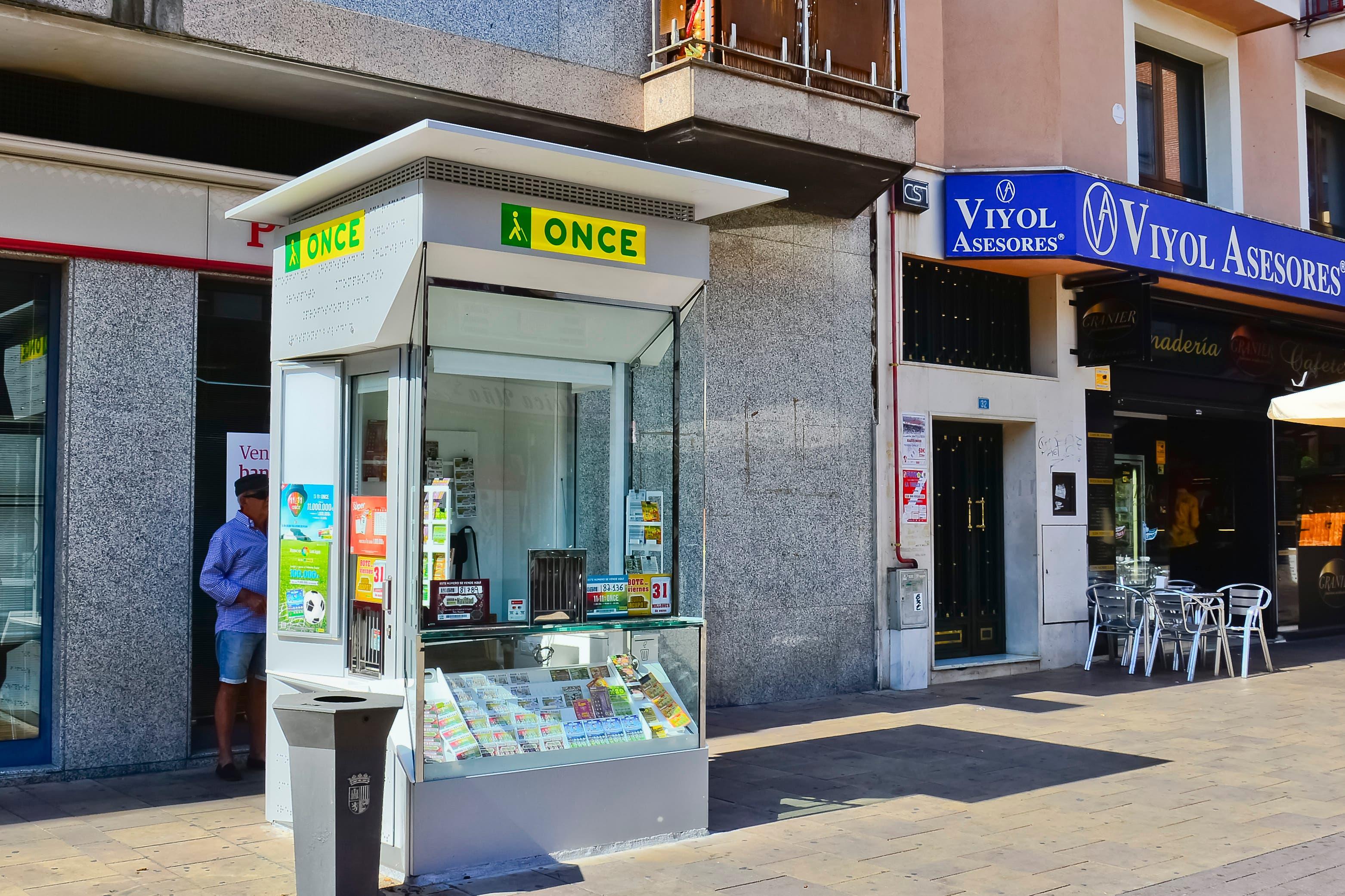 El nuevo kiosco de la ONCE (Ayto. Torrejón).