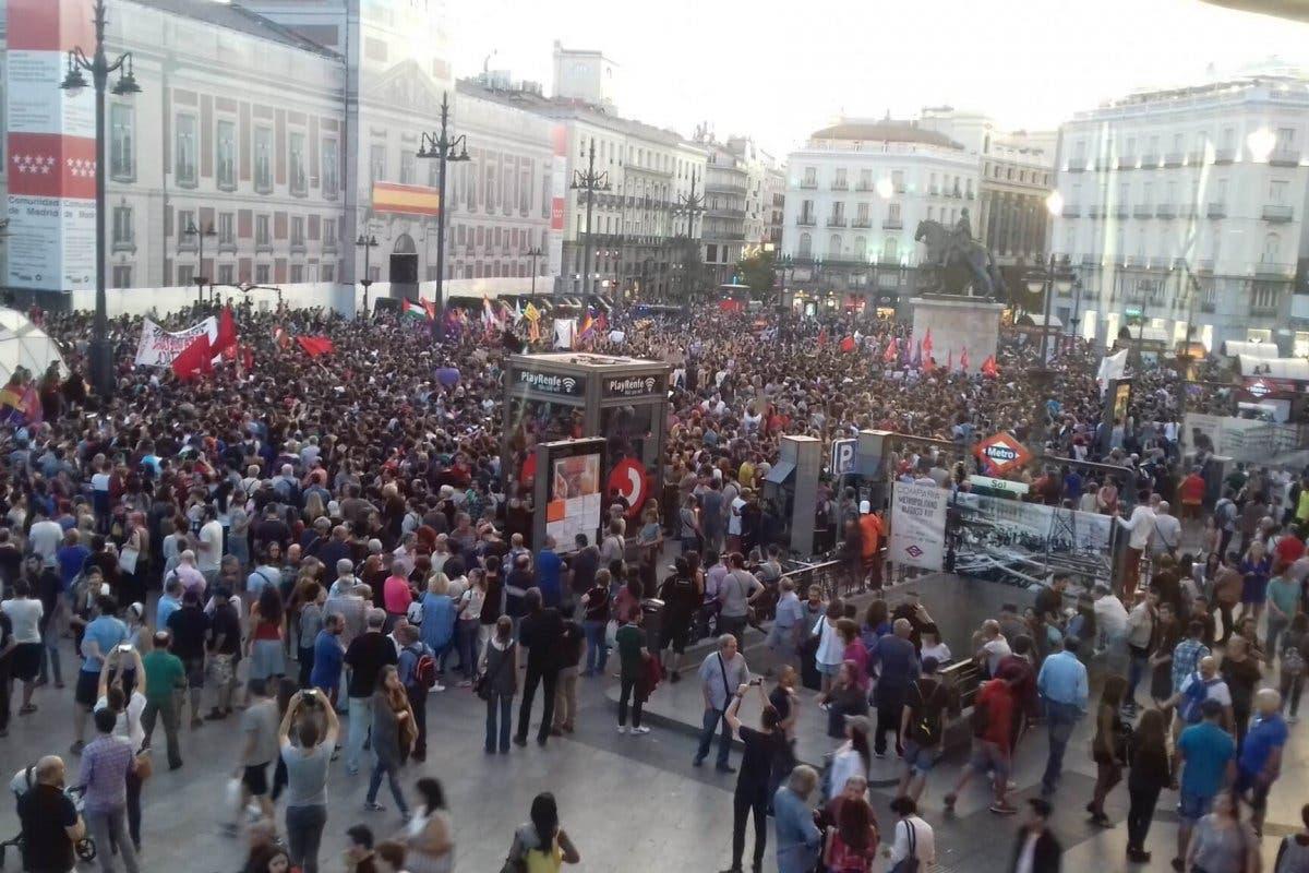 Un detenido y tres heridos en las protestas en Sol
