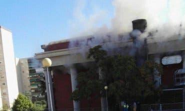 Incendio en el exterior de la discoteca Paladium de Coslada