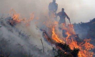 Madrid envía ayuda a Galicia contra los incendios que dejan tres muertos