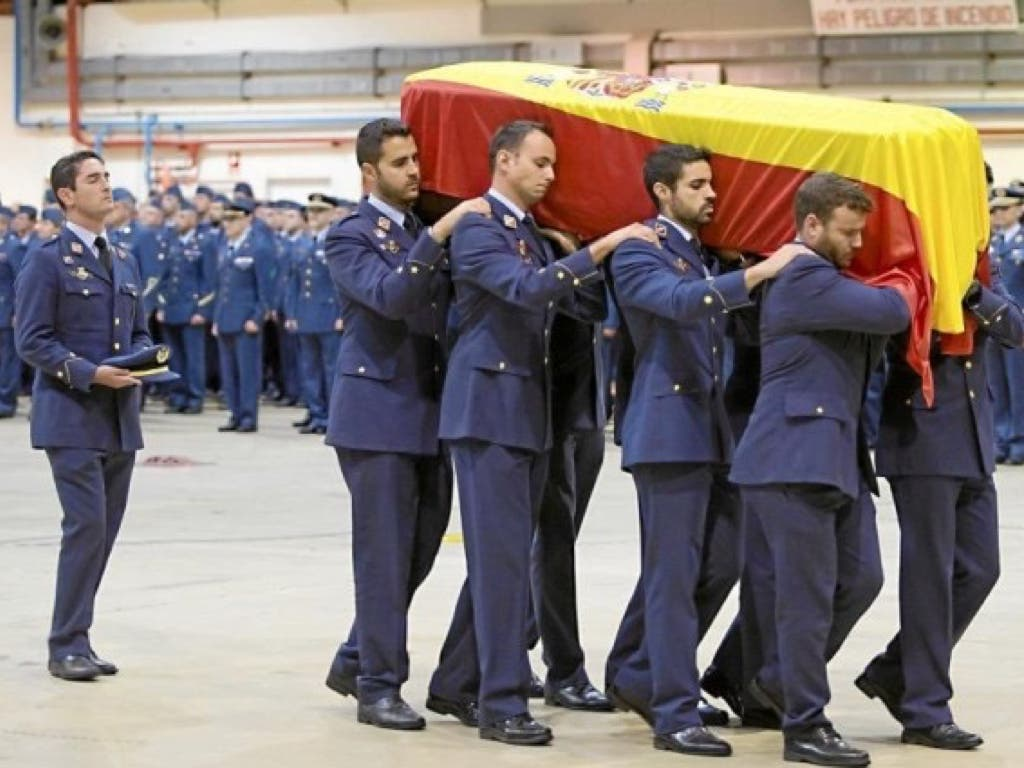 La Base de Torrejón despide al teniente Pérez Serrano