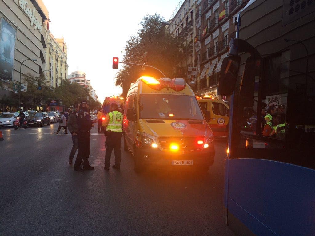 Herida grave una joven al ser atropellada por un autobús de la EMT