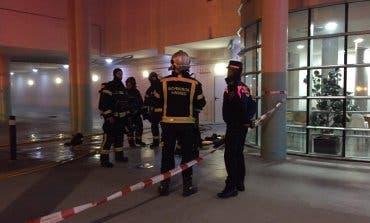 Un incendio obliga a evacuar un centro de esclerosis múltiple en Vicálvaro