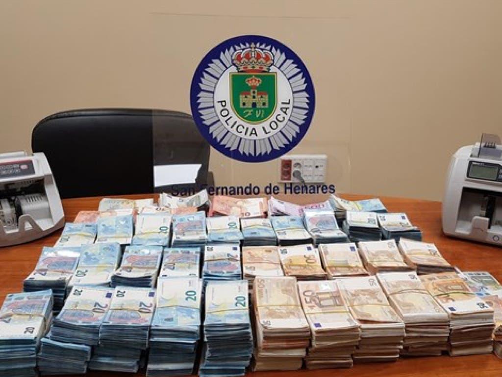 La Policía de San Fernando encuentra 500.000 euros en el maletero de un coche
