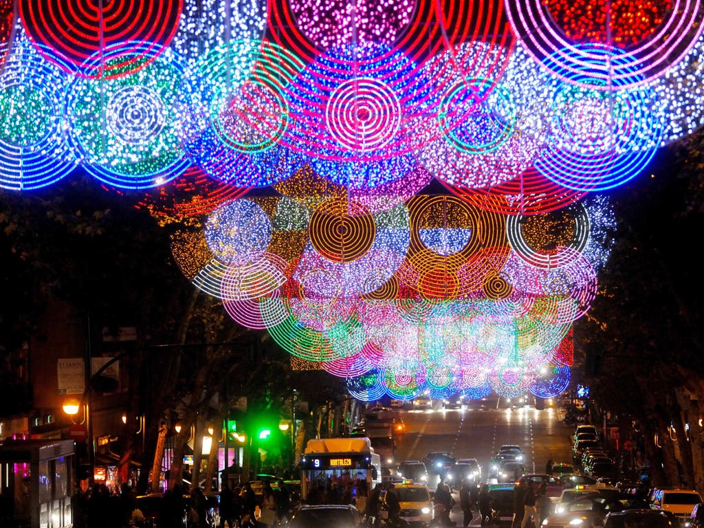 Madrid enciende este viernes la Navidad