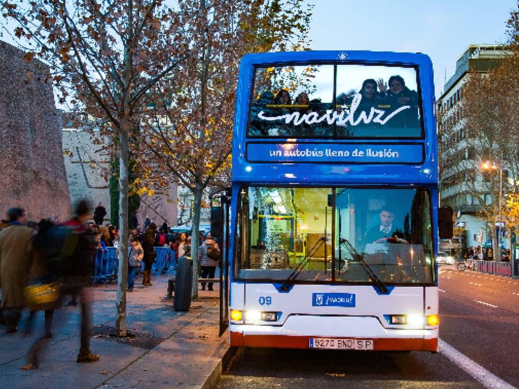 Vuelve el Naviluz, el bus de la Navidad en Madrid