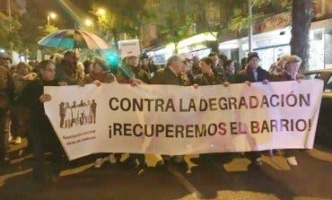 Los vecinos de Vallecas protestan contra la delincuencia en el barrio