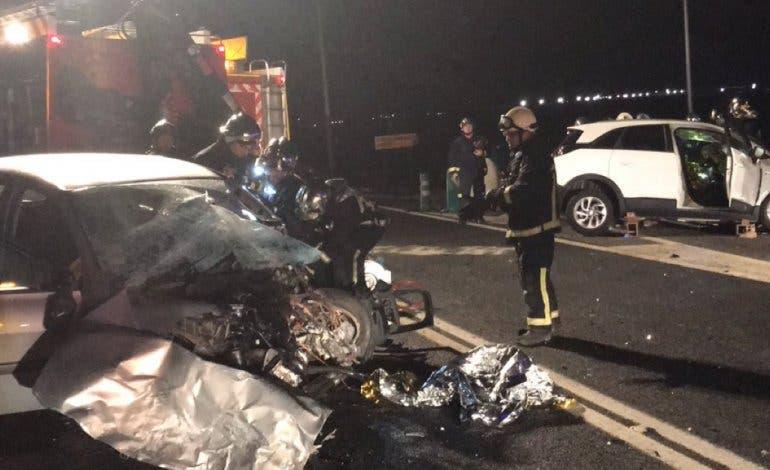 Mueren dos personas en un accidente de tráfico en la M-410