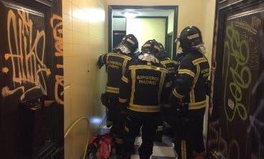 Cuatro heridos de una misma familia al descolgarse un ascensor en Madrid