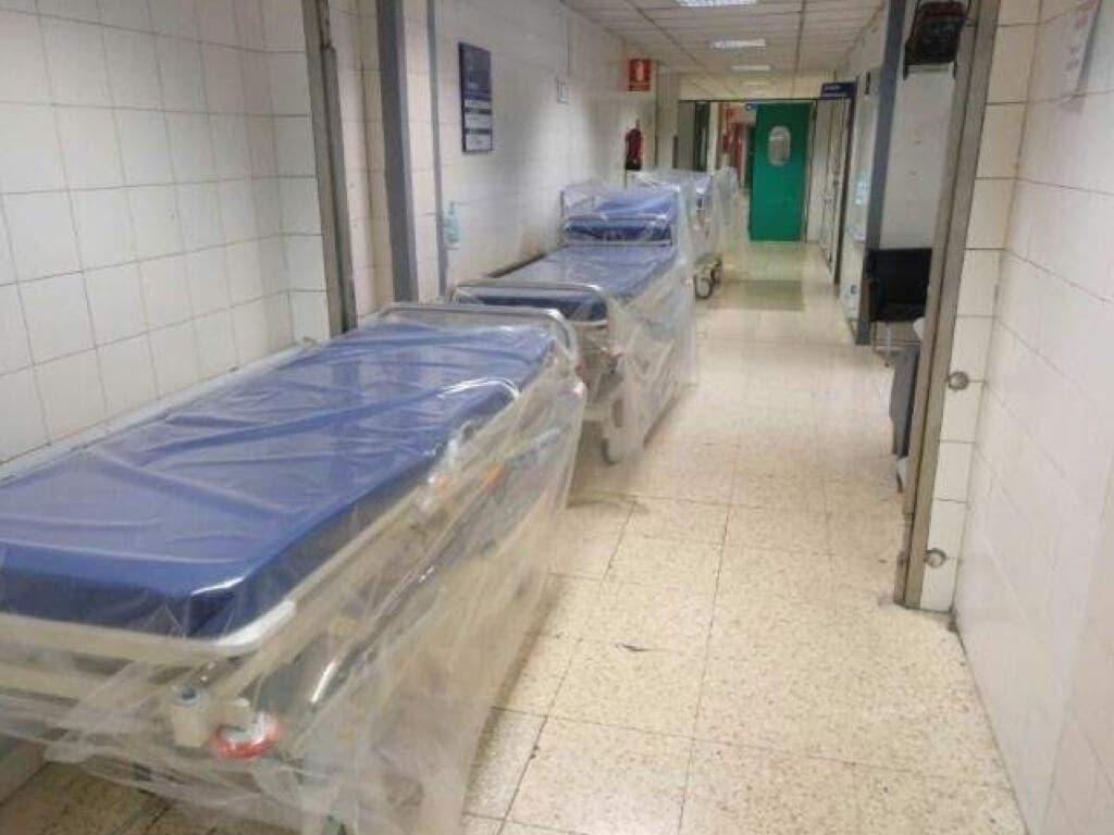 La Paz denuncia la venta de camillas del hospital a 1 euro en Wallapop