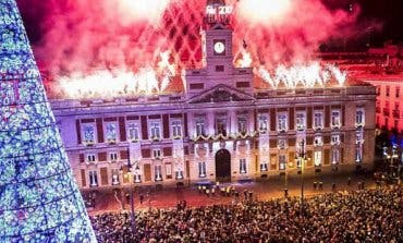 Un gran espectáculo de fuegos artificiales para recibir el año en Sol