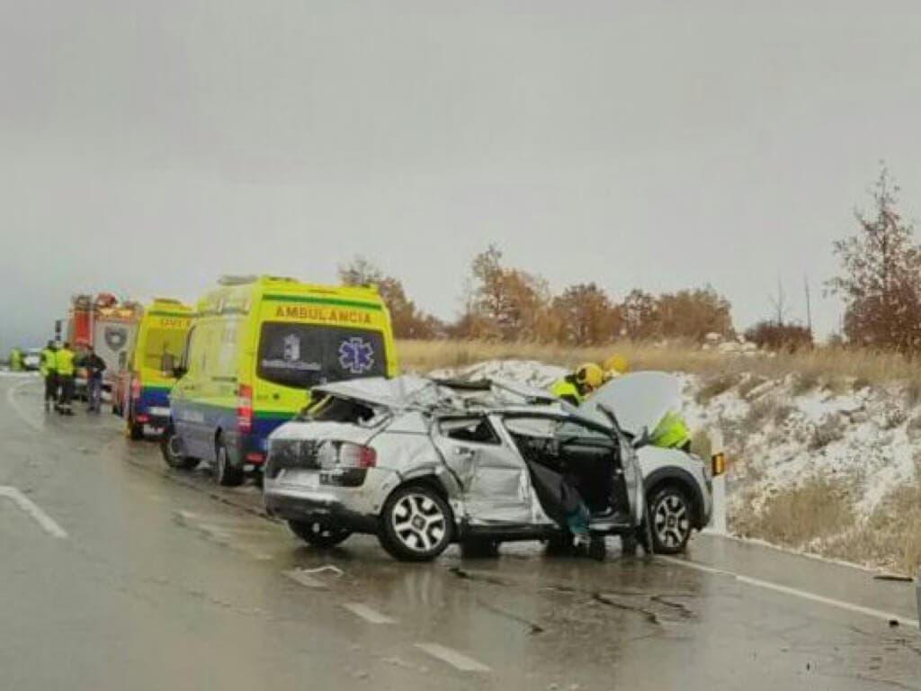 Dos heridos graves en un accidente de tráfico en Guadalajara