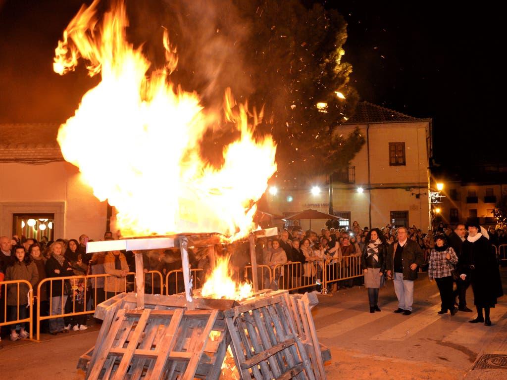 Alcalá de Henares quemará «todo lo malo» en la Hoguera de Santa Lucía