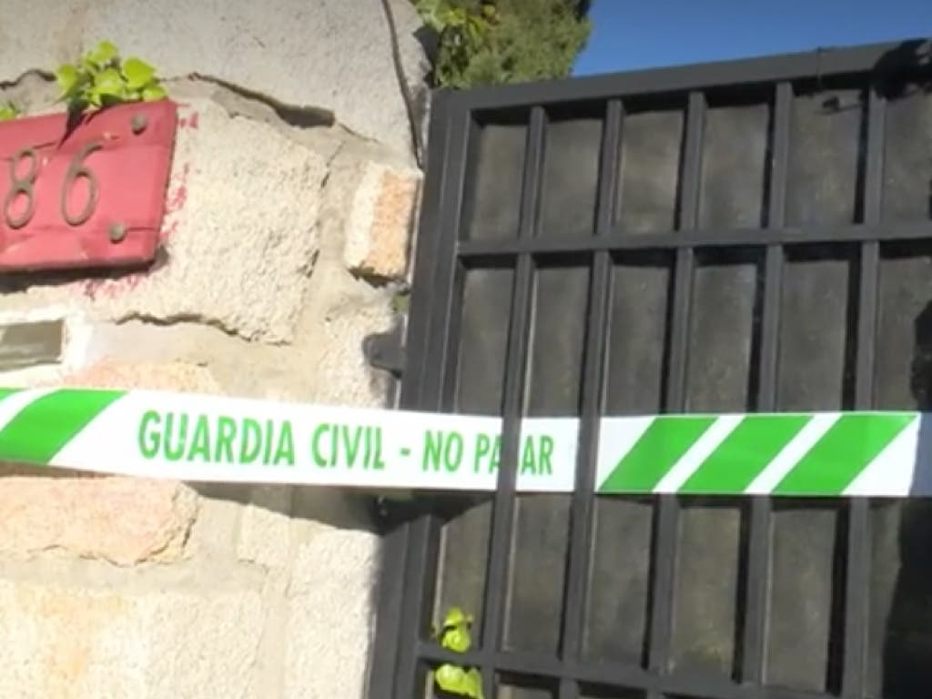 La vivienda precintada por la Guardia Civil (Antena 3).