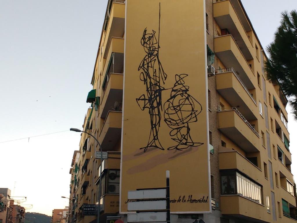 Un edificio de Alcalá de Henares alberga un nuevo mural homenaje a Cervantes