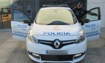 Detenido tras arrojar varios enseres desde un cuarto piso en San Fernando de Henares