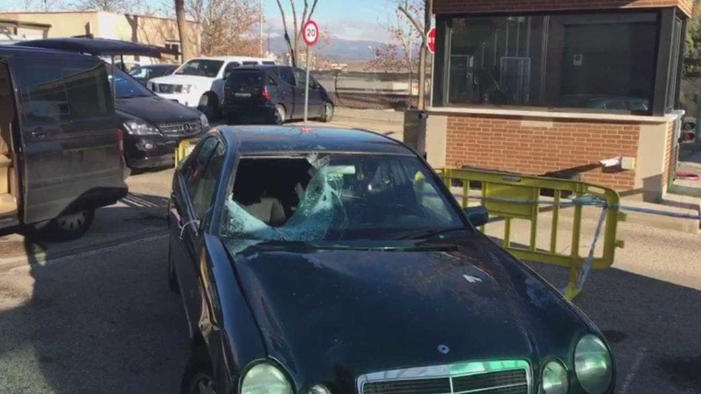 El vehículo abandonado en El Casar.