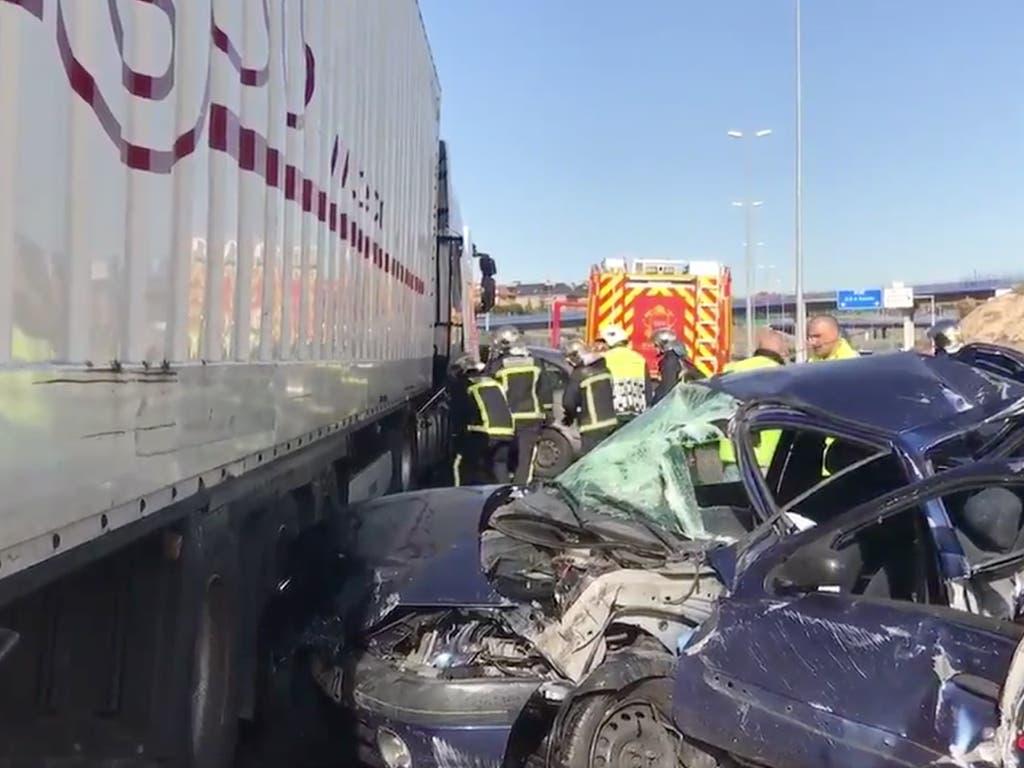 Cinco heridos, entre ellos una niña, en un accidente múltiple en la M-50