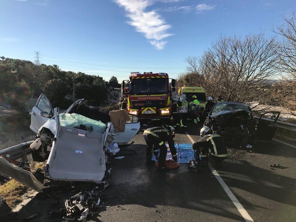 Cuatro heridos, uno muy grave, en un brutal accidente en la M-601