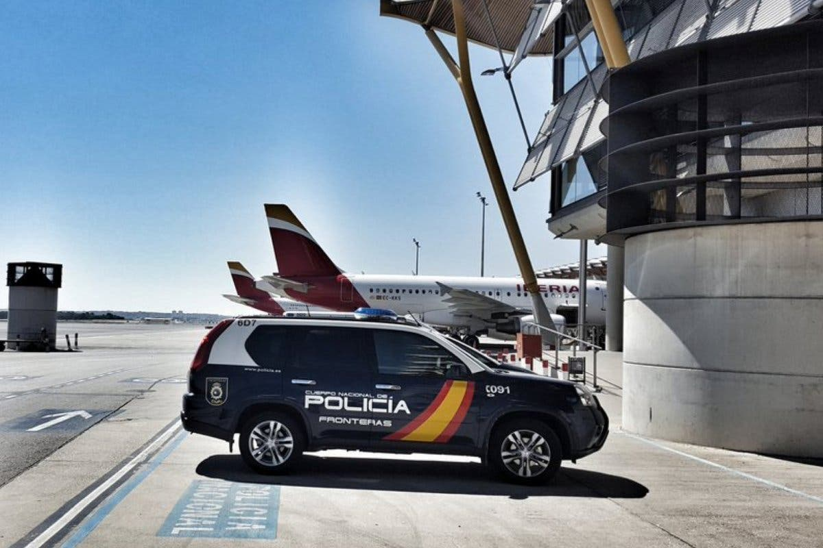 Detenido por violencia de género en el interior de un avión en Barajas