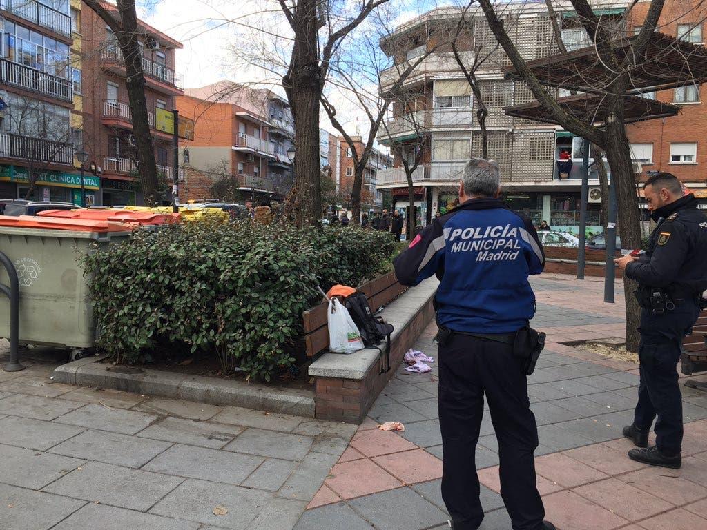 Detenido un joven por apuñalar tres veces a un hombre en Madrid