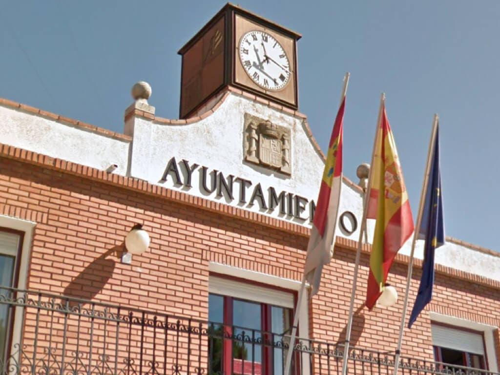 Polémica en Azuqueca entre los trabajadores de la piscina y el Ayuntamiento