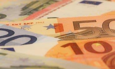 Encuentra 1.700 euros en la calle y los entrega a la Policía