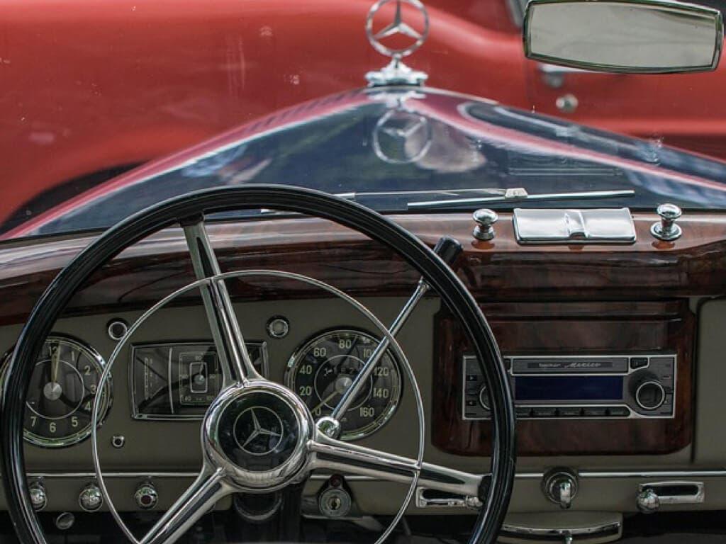 Los coches clásicos vuelven a Torrejón