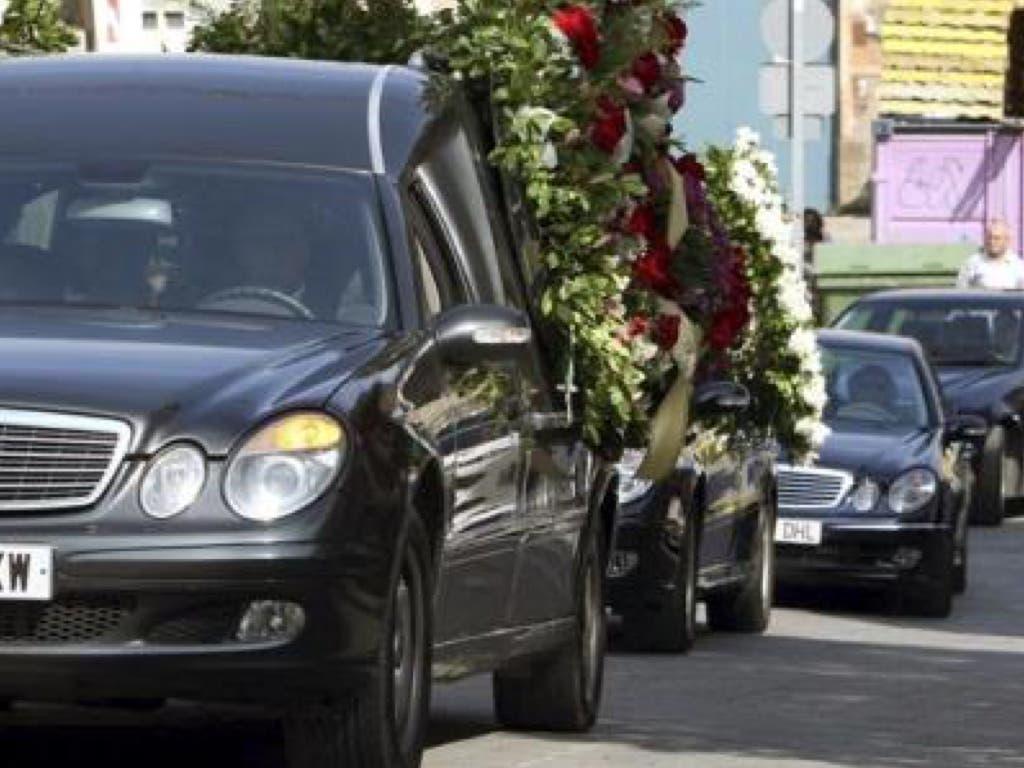 Velan en casa el cadáver de su hijo de 7 años por no poder pagar a la funeraria