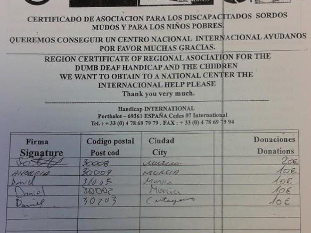 La Guardia Civil alerta de falsos sordomudos que recogen firmas