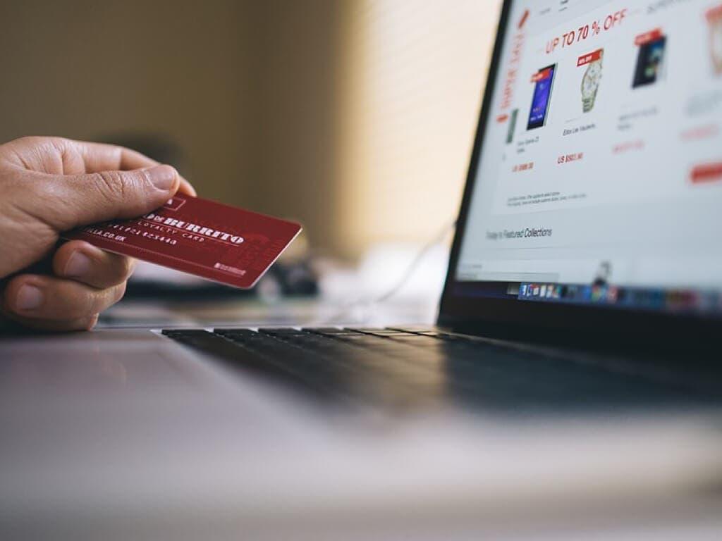 Detenido en Rivas por estafar con tarjetas de crédito a través de Internet