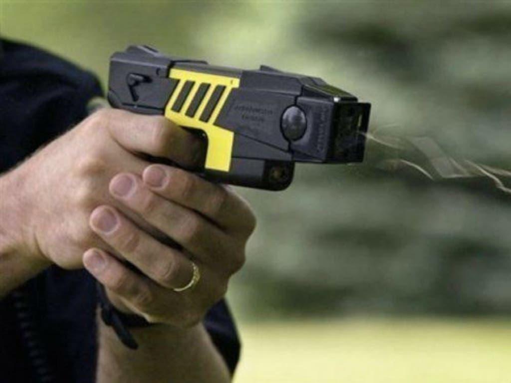La Policía Local de Alcalá de Henares comenzará a usar pistolas táser