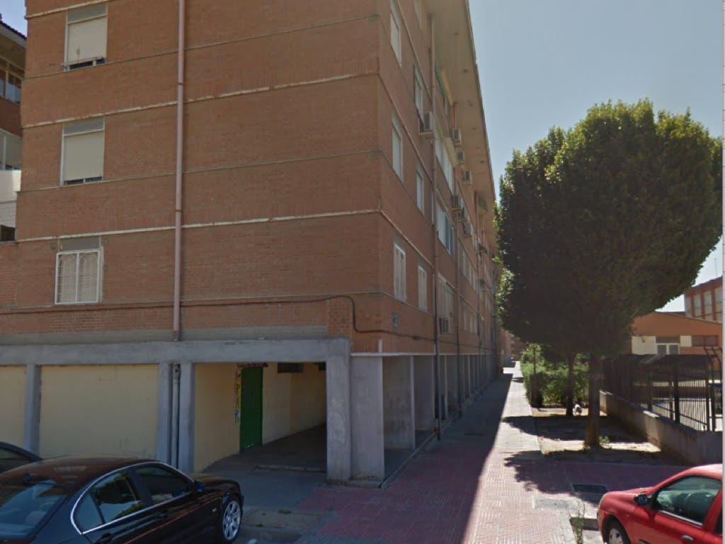Hallan el cadáver de una mujer en un piso de Alcalá de Henares