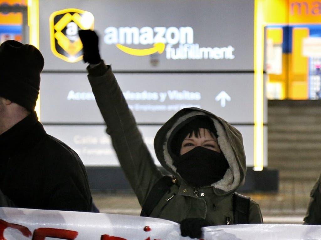Los sindicatos de Amazon vuelven a la carga por Navidad