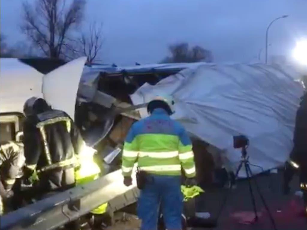 Fallece un camionero al volcar en San Sebastián de los Reyes
