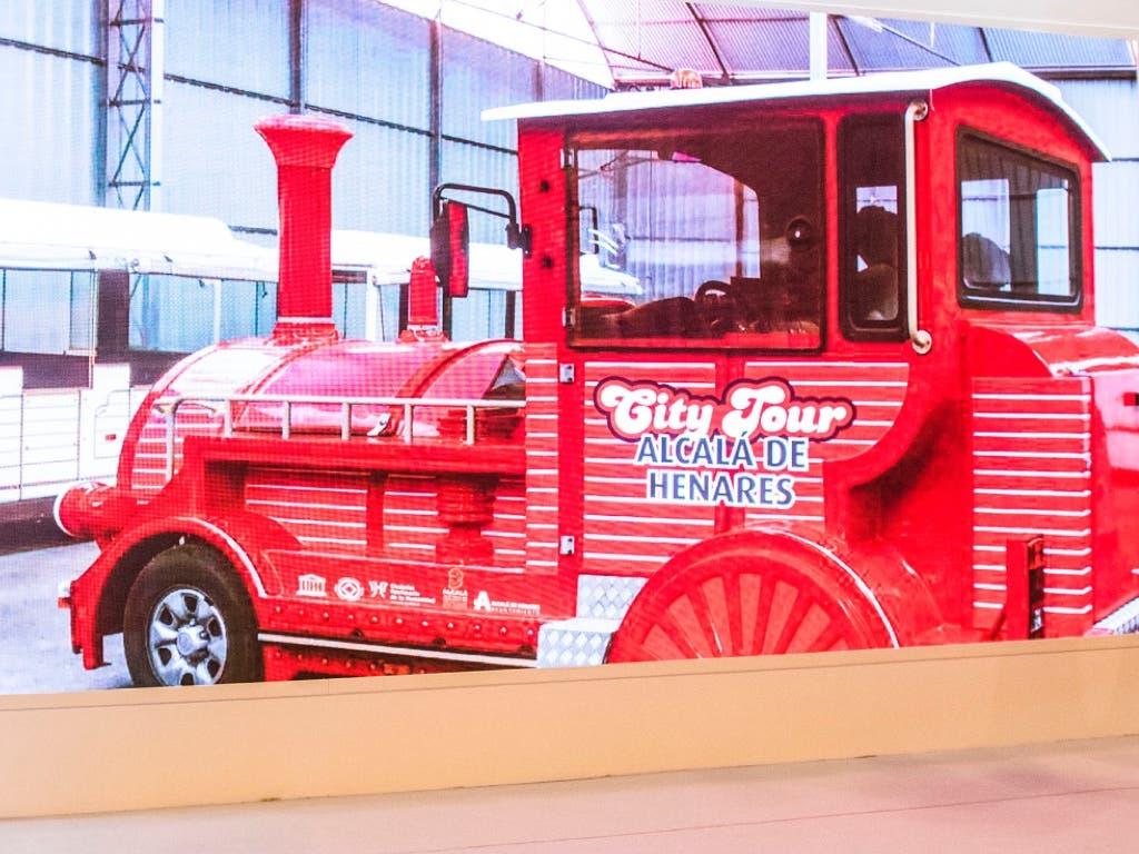 Alcalá de Henares presenta su nuevo Tren Turístico
